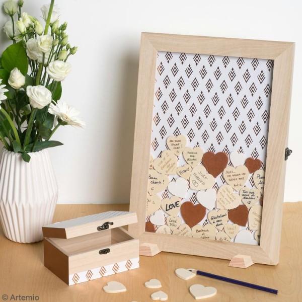 Petite boîte coffre et coeurs en bois à décorer - 15 x 10 x 8 cm - 54 pcs - Photo n°3