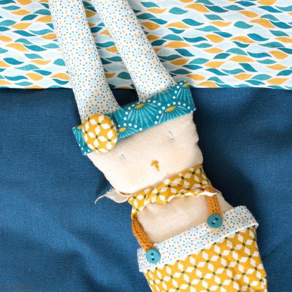 Coupon de tissu coton Crafty cotton - Ronds bleus - Fond Blanc - 45 x 55 cm - Photo n°3
