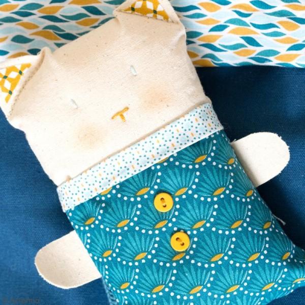 Coupon de tissu coton Crafty cotton - Fleurs géométriques - Fond Bleu pétrole - 45 x 55 cm - Photo n°3