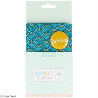 Coupon de tissu coton Crafty cotton - Fleurs géométriques - Fond Bleu pétrole - 45 x 55 cm