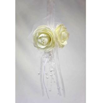 Suspension 3 roses avec perles et tulle