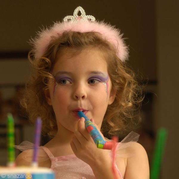 Maquillage Carnaval Fard Bleu Vif - visage et corps - 18 ml - Photo n°4