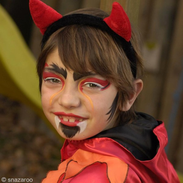 Maquillage Carnaval Fard Rouge Vif - visage et corps - 18 ml - Photo n°3
