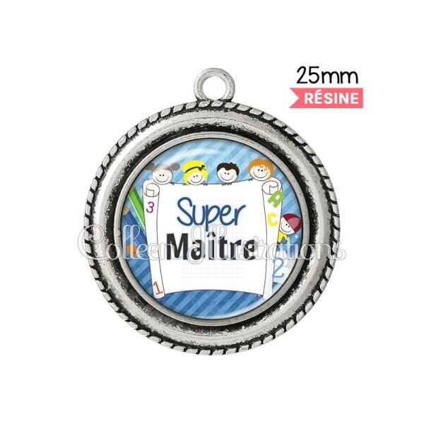 Pendentif résine Super maître - Photo n°1