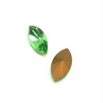 Lot 2 Navettes  Cristal Swarovski  Facetté Vintage Vert Peridot - 18*9 mm