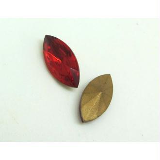 Lot 2 Navettes Cristal Swarovski  Facetté Vintage Rouge Siam - 15*7 mm