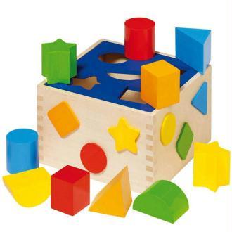 Boîte à formes en bois avec 10 pièces