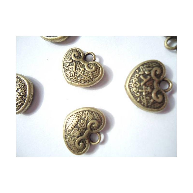 Lot 10 breloques pendentif coeurs en metal breloque for Amoure de cuisine chez soulef