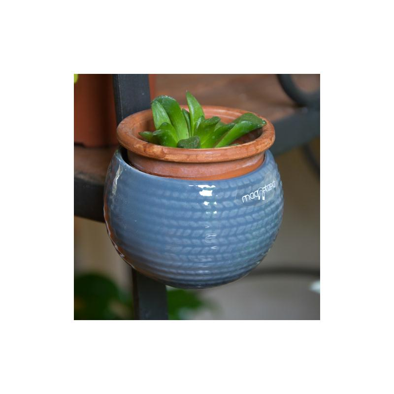 Mini cache pot aimant gris stri diam tre global environ for Cache pot design interieur