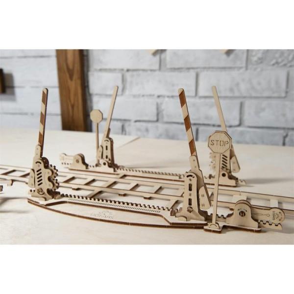 Rails + Passage à niveau – Puzzle 3d Mécanique en bois – Ugears France - Photo n°1