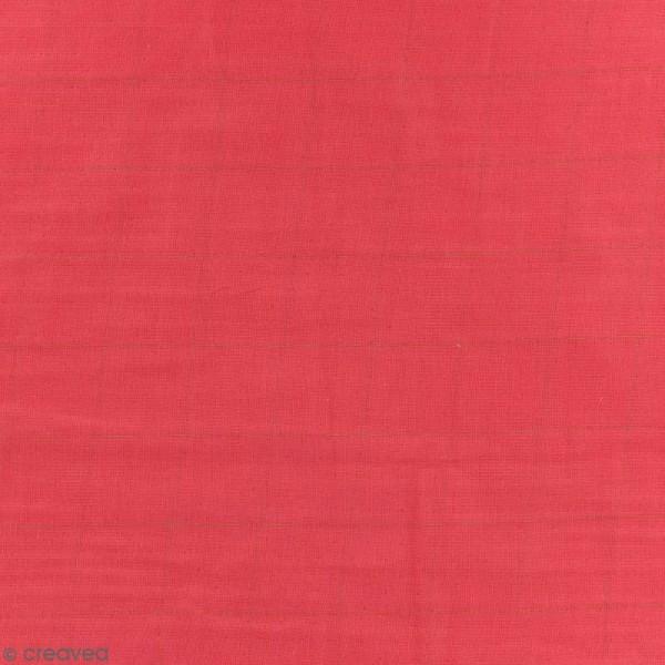 Tissu double gaze de coton - carreaux dorés sur Fond rouge framboise - Par 10 cm (sur mesure) - Photo n°1