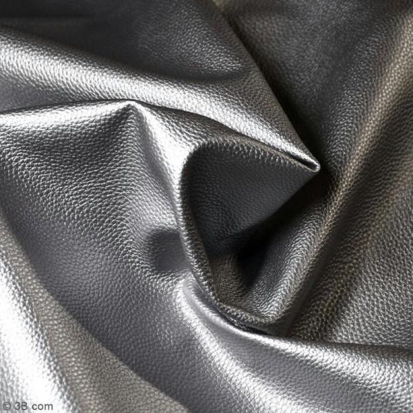 Tissu Simili cuir irisé - Argenté - Par 10 cm (sur mesure) - Photo n°2