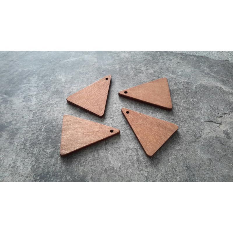 pendentifs triangle en bois brut ethnique tribal 30x20 mm 2 pcs perles bois creavea. Black Bedroom Furniture Sets. Home Design Ideas
