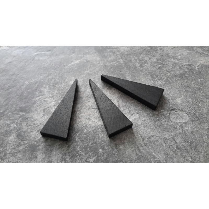 pendentifs triangle en bois noir ethnique g om trique. Black Bedroom Furniture Sets. Home Design Ideas
