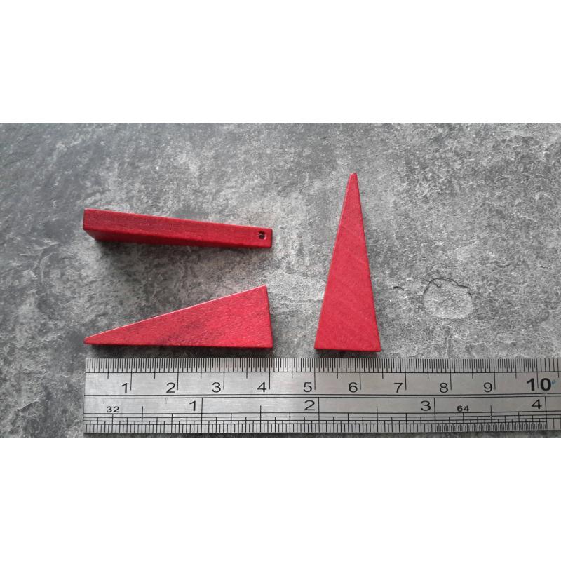 pendentif bois triangle rouge bordeaux minimaliste. Black Bedroom Furniture Sets. Home Design Ideas