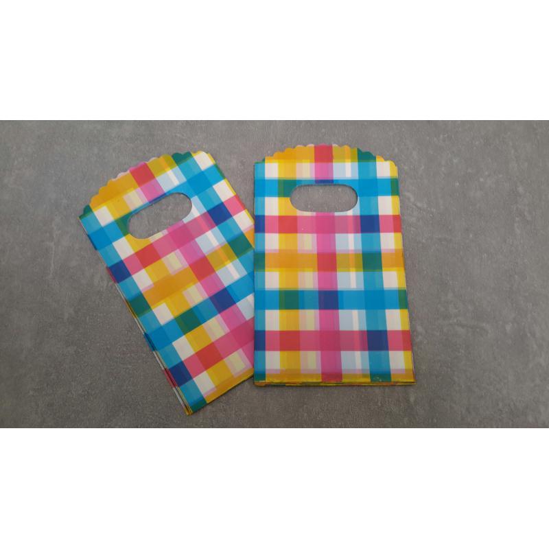 sachets pochettes plastique carreaux rose bleu jaune madras sachet tissu creavea. Black Bedroom Furniture Sets. Home Design Ideas