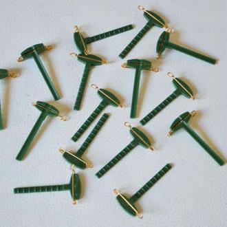 Gala clip vert ou support de boutonnière. Vendus par 3