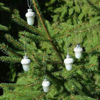 Boules de Noël glands givrés. Dim. 4 cm Vendues par 3