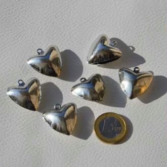 Cœurs grelots argentés à suspendre. Dim. 2.5 cm - Vendus par 5
