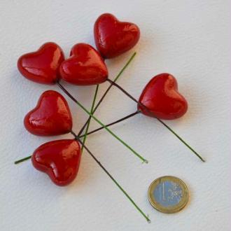 Gros cœurs rouges tigés. Dim. 3 cm - Vendus par 6