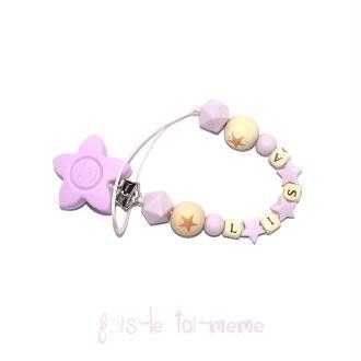 Attache tétine fleur perles en bois et silicones étoiles avec prénom