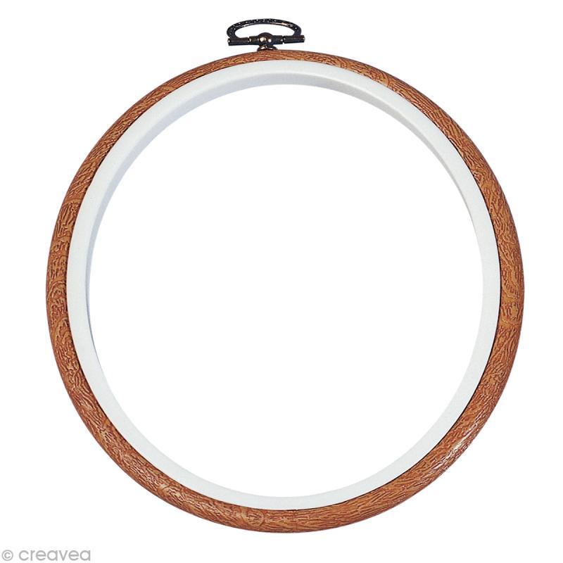 cadre tambour broderie rond effet bois broder 17 5 cm cadre tambour creavea. Black Bedroom Furniture Sets. Home Design Ideas