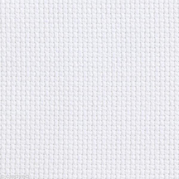 Toile à broder Aida prédécoupée - 5,5 pts/cm Blanc - 35 x 45 cm - Photo n°1