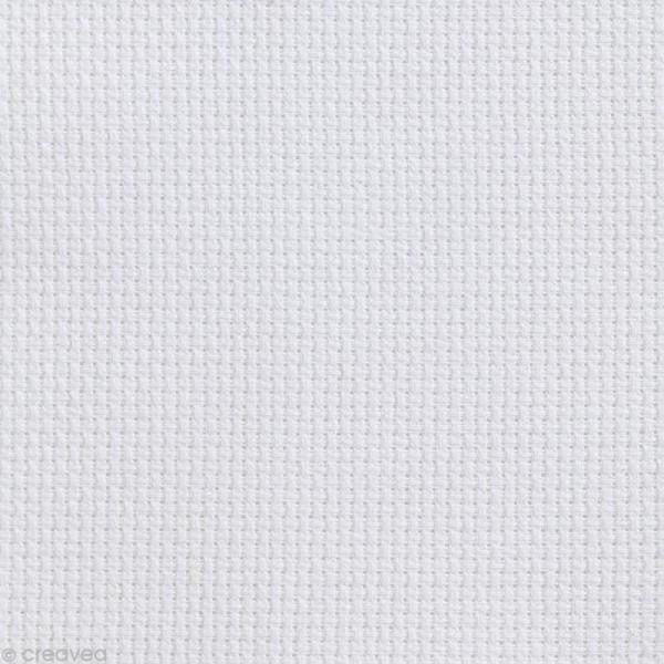 Toile à broder Aida prédécoupée - 7 pts/cm Blanc - 35 x 45 cm - Photo n°1
