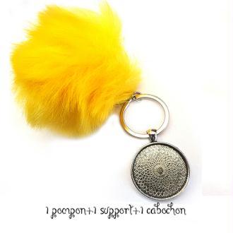Kit Porte clés à décorer pompon inclus support pendentif et cabochon 30MM, couleur jaune
