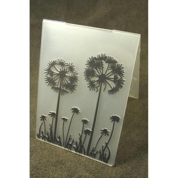 Classeur d'embossage en plastique motif  fleurs des champs  format  15*10.6*0.3 cm - Photo n°1