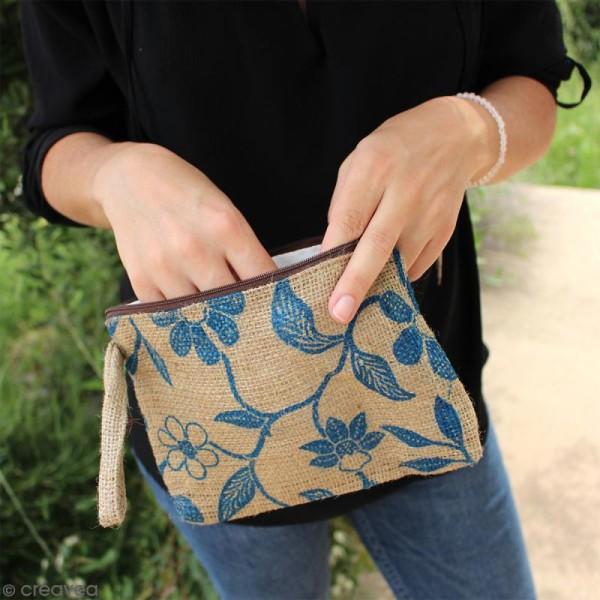 Pochette en jute naturelle taille M - Liane et fleurs - Bleu - 22 x 16 cm - Photo n°5