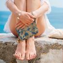 Pochette en jute naturelle taille M - Liane et fleurs - Bleu - 22 x 16 cm - Photo n°3