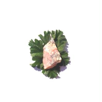 Opale Rose du Pérou : Pendentif pierre brute 41 MM de hauteur