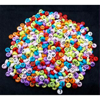 Lot de 50 Perles Alphabet 7mm x 4mm Mixte Ecriture Noir Acrylique Lettre Ronde