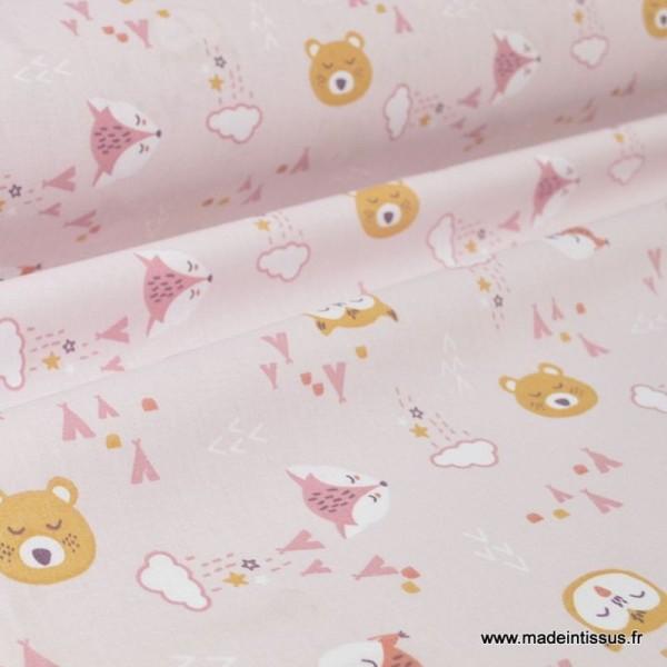 Tissu coton imprimé renard et loups fond mauve - Photo n°1