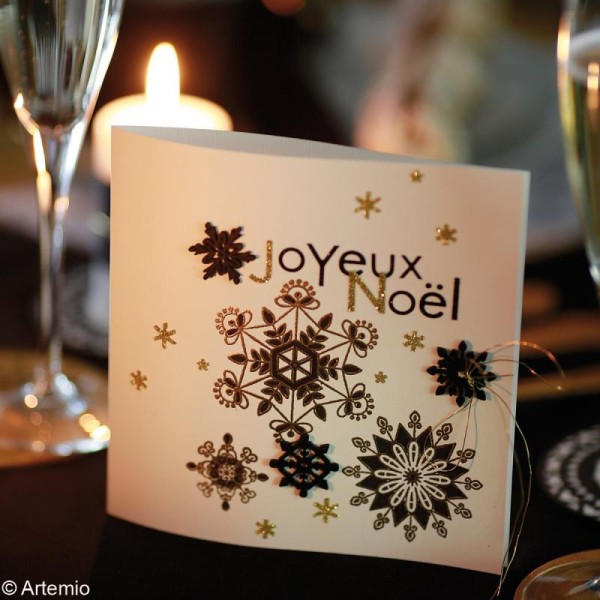 Set de mini silhouettes en bois Flocons de neige x 27 - Photo n°2