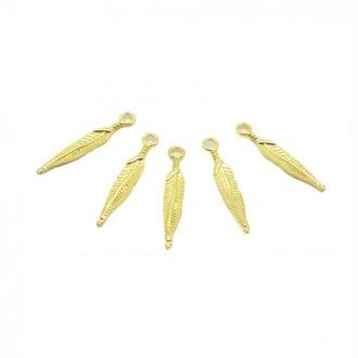 Breloques plumes fines 29mm métal doré par 5 pièces