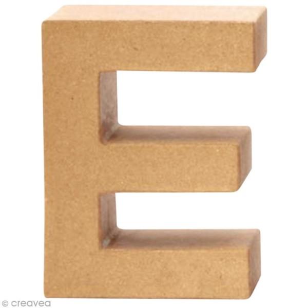 Lettre en carton E qui tient debout  - 17,5 x 13 x 5,5 cm - Photo n°1