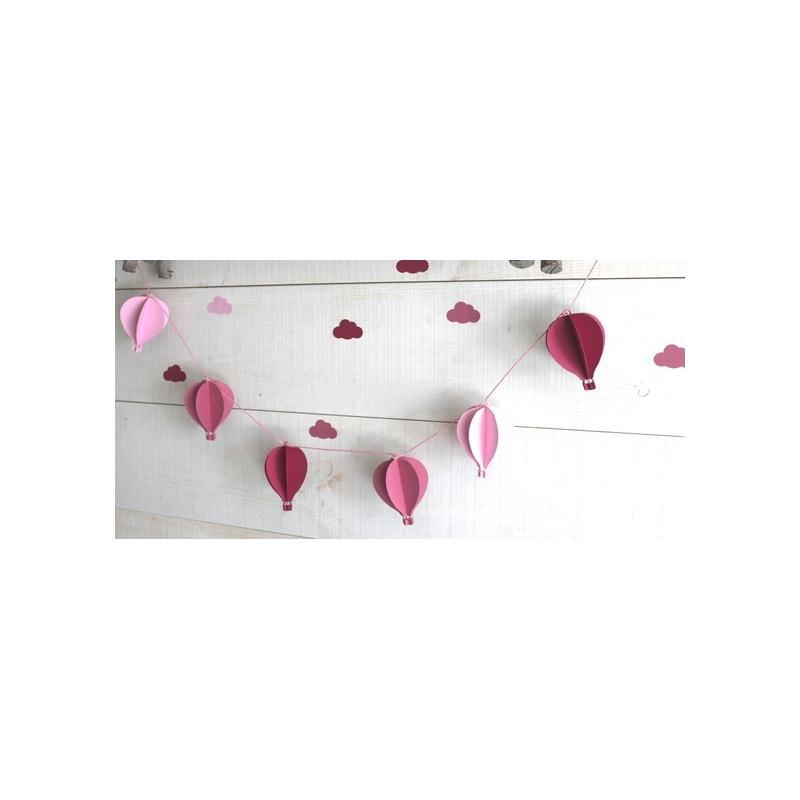 Guirlande de 6 montgolfi res pour d corer une chambre de - Guirlande pour chambre bebe ...