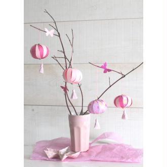 4 Lampions En Papier À Pompons De Couleur Rose Pâle Et Foncé