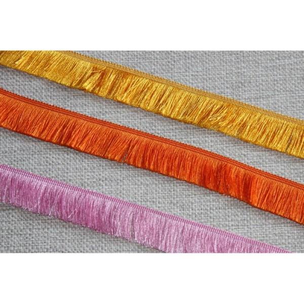 Galon avec de longues franges soyeuses , ruban de largeur totale 3cm - Photo n°1