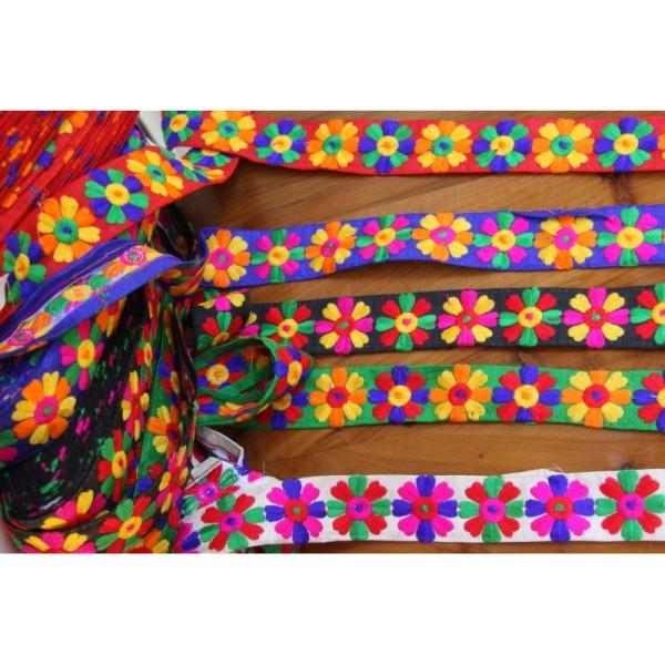 Galon brodé fleuri ou ruban de 3.8 cm de large en 5 couleurs - Photo n°3