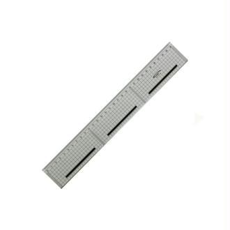 Règle de coupe 30cm Transparente quadrillée 5x5 antidérapante Graphoplex