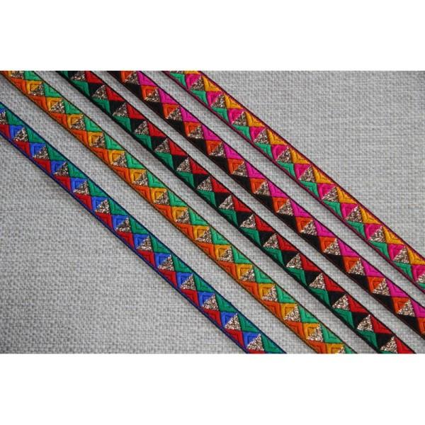 Galon brodé géométrique ou ruban de 1.5 cm de large . - Photo n°2