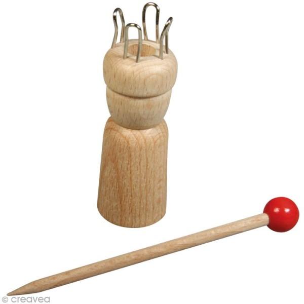 Tricotin en bois avec aiguille - Photo n°1