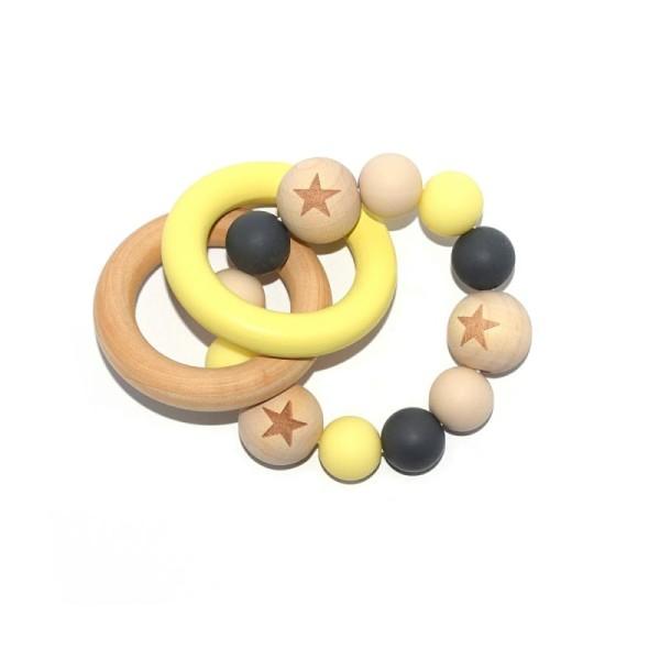 Hochet - Anneau de dentition double en bois, perles étoiles noir, beige et jaune - Photo n°1