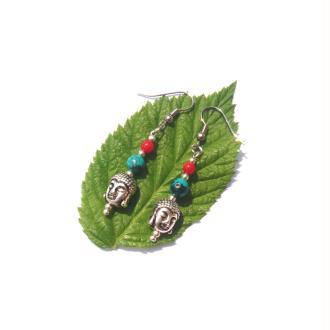 Boucles Oreilles Bouddha, Howlite et Corail 5,3 CM de hauteur