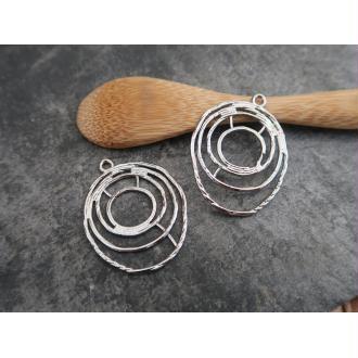 Grands pendentifs ovales ajourés en métal argenté, 34x25 mm, 2 pcs