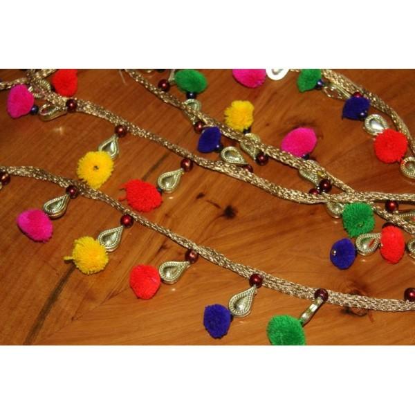 Galon pompons multicolores, ruban pompons et pampille dorée. - Photo n°4