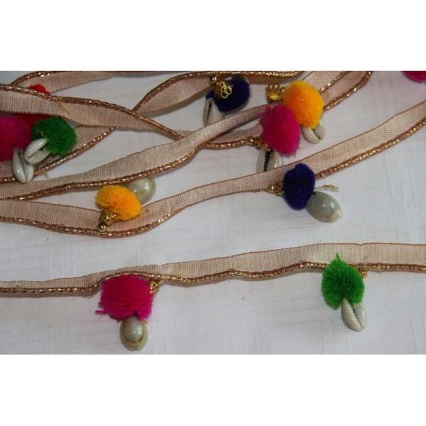 Galon pompons multicolores, ruban pompons avec cauris. - Photo n°1